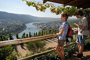 Aussicht vom Huxlay-Plateau auf Mehring und ins Moseltal